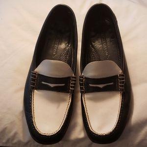 Florsheim Moc Toe Penny Loafers (B&W) - Sz 11